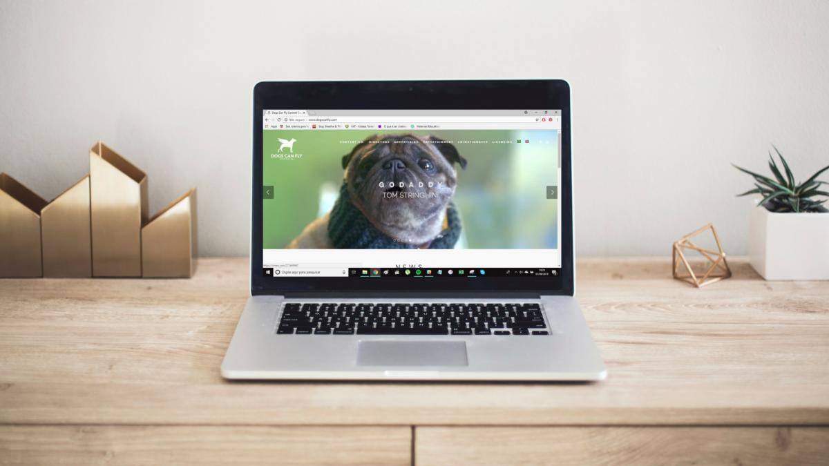 O site da produtora Dogs Can Fly foi desenvolvido pela mexeri.ca